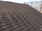 屋根も痛んでます。
